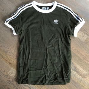 Worn once women's army green adidas tee size small
